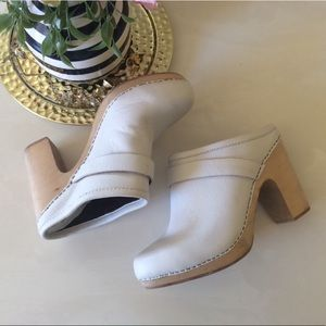 Jeffrey Campbell White Pebble Impulse Clogs